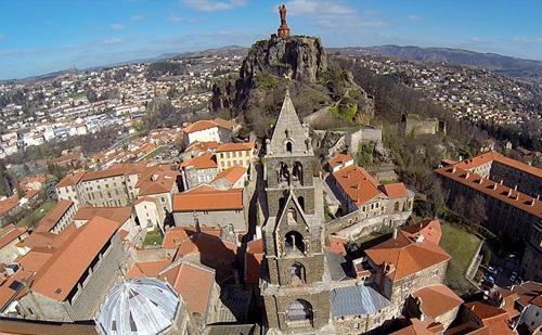 fly-me - drones - prises de vues aériennes - tourisme
